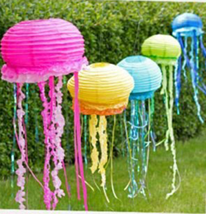 Make Jelly Fish Hangings With Paper Lanterns And Streamers For A Sea Themed Party Are The Most Inexpensive Decoration Items Once Hung