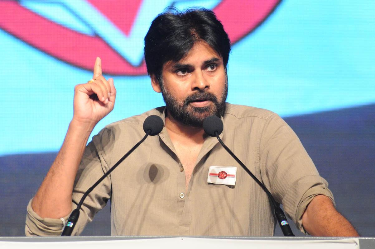 Pawan Pushed Communists to Jagan side!!