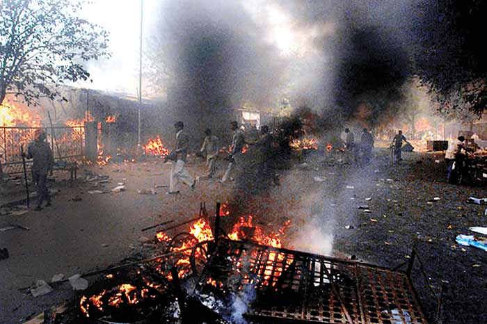 gujarat riots The riots left more than 1,000 people, mostly muslims, dead, and were among india's worst outbreaks of unrest the rioting began after 60 hindu pilgrims died in a train fire blamed on muslims in.