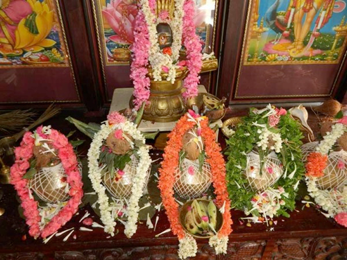 How to perform lakshmi pooja at home on fridays how to perform detailed information how to do laxmi pooja lakshmi aarti lakshmi chalisa lakshmi puja mightylinksfo