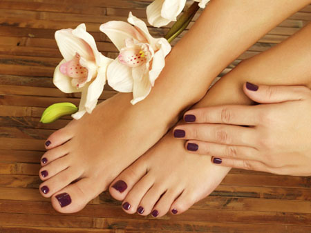 Diy Manicure And Pedicure At Home Easy Manicure Pedicure