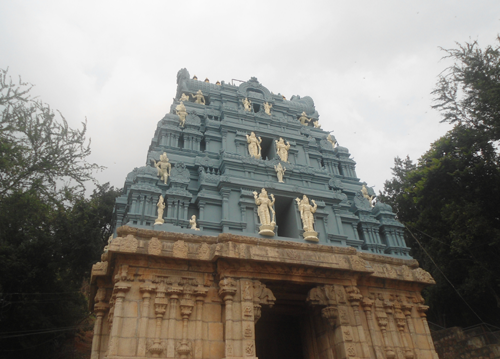 Information and details to piligrims to reach tirumala SrivariMettu is a much older pedestrian path to the hill shrine than from Alipiri and ... Tirumala can be reached on foot