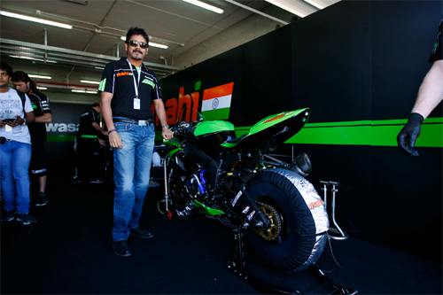 Nagarjuna Racing, Nagarjuna Racing Team, Nagarjuna Racing Bike, Nagarjuna Sports Bike, Nagarjuna Akhil Sports Bike