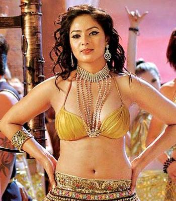 Nikisha Patel Films, Nikisha Patel Gautam Karthik, Nikisha Patel RUM
