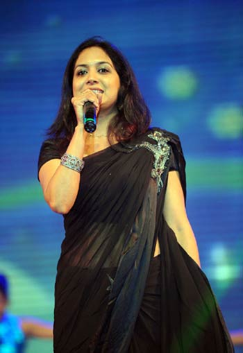 sunitha singer biography