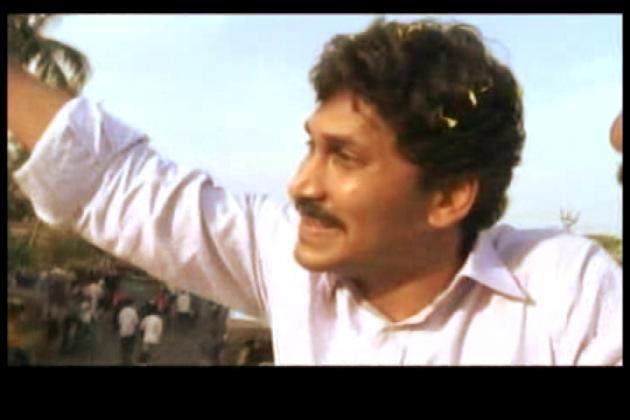 Y S Vivekananda Reddy Image: Jagan Is Ahead Of Congress In Poll Campaign