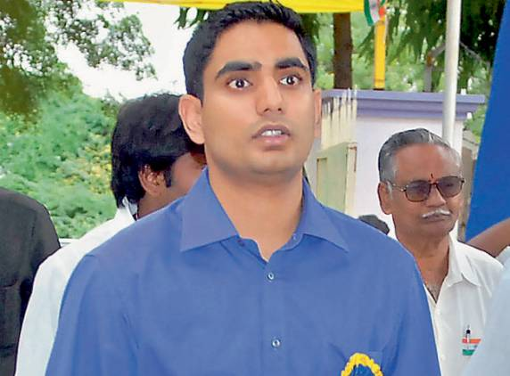 chandrababu naidu, lokesh naidu, lokesh to enter politics, lokesh naidu political entry, tdp prospects in 2014, 2014 general elections, tdp mee kosam yatra, lokesh mee kosam yatra