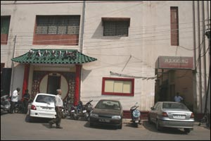nanking hotel secunderabad, secunderabad nanking hotel, secunderabad nanking hotel wall collapsed, nanking hotel wall collapsed, nanking hotel wall collapse death toll, 1 dead nanking hotel wall collapse