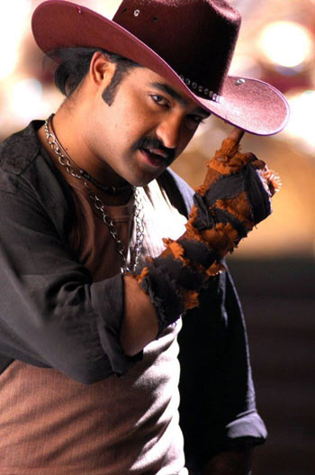 Ntr james bond, ntr role baadshah, ntr secret agent, ntr secret agent baadshah, ntr baadshah story, baadshah movie story
