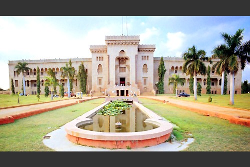 osmania university clashes, ou students clash 15 april 2012, ou campus beef festival, beef festival ou campus, students clash ou campus 15 april, hyderabad communal riots ou campus, ou campus communal clash