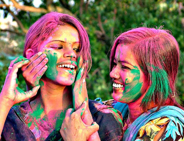 Sarkari Niyukti wishes you Happy Holi