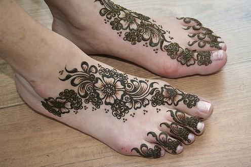 Mehndi Ankle Images : Bridal mehndi designs simple for beginners heena